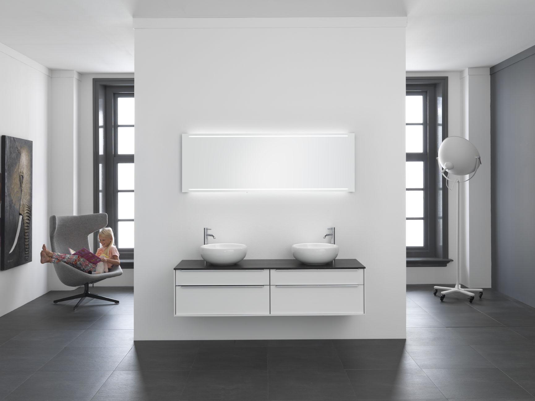 Strak en modern kremer keukens showroom opruiming - Huidige badkamer ...