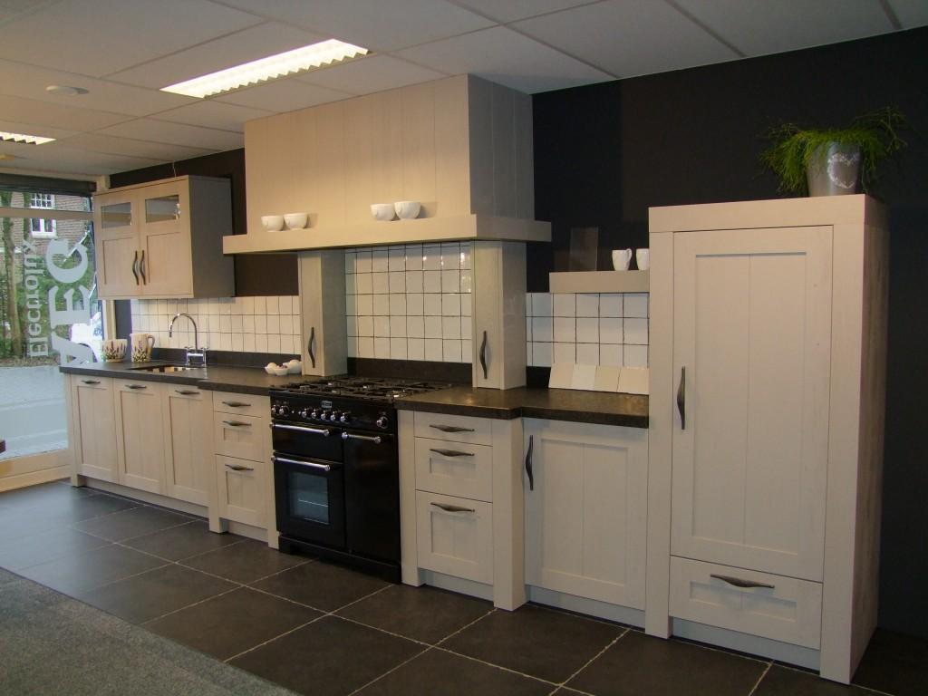 Opruiming showroomkeukens kremer keukens smilde assen