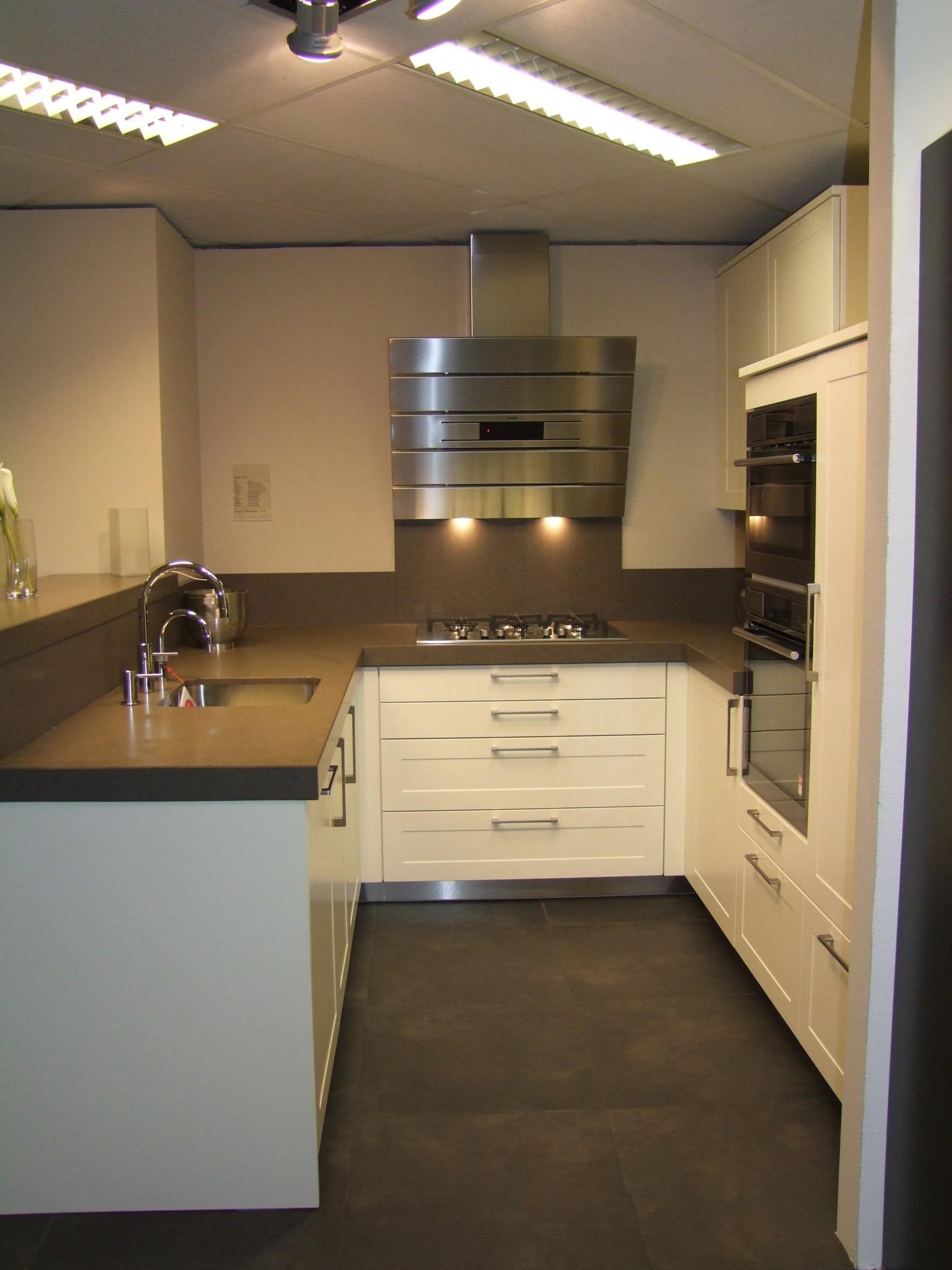 Modern landelijke keuken van vancel kremer keukens for Keuken landelijk modern