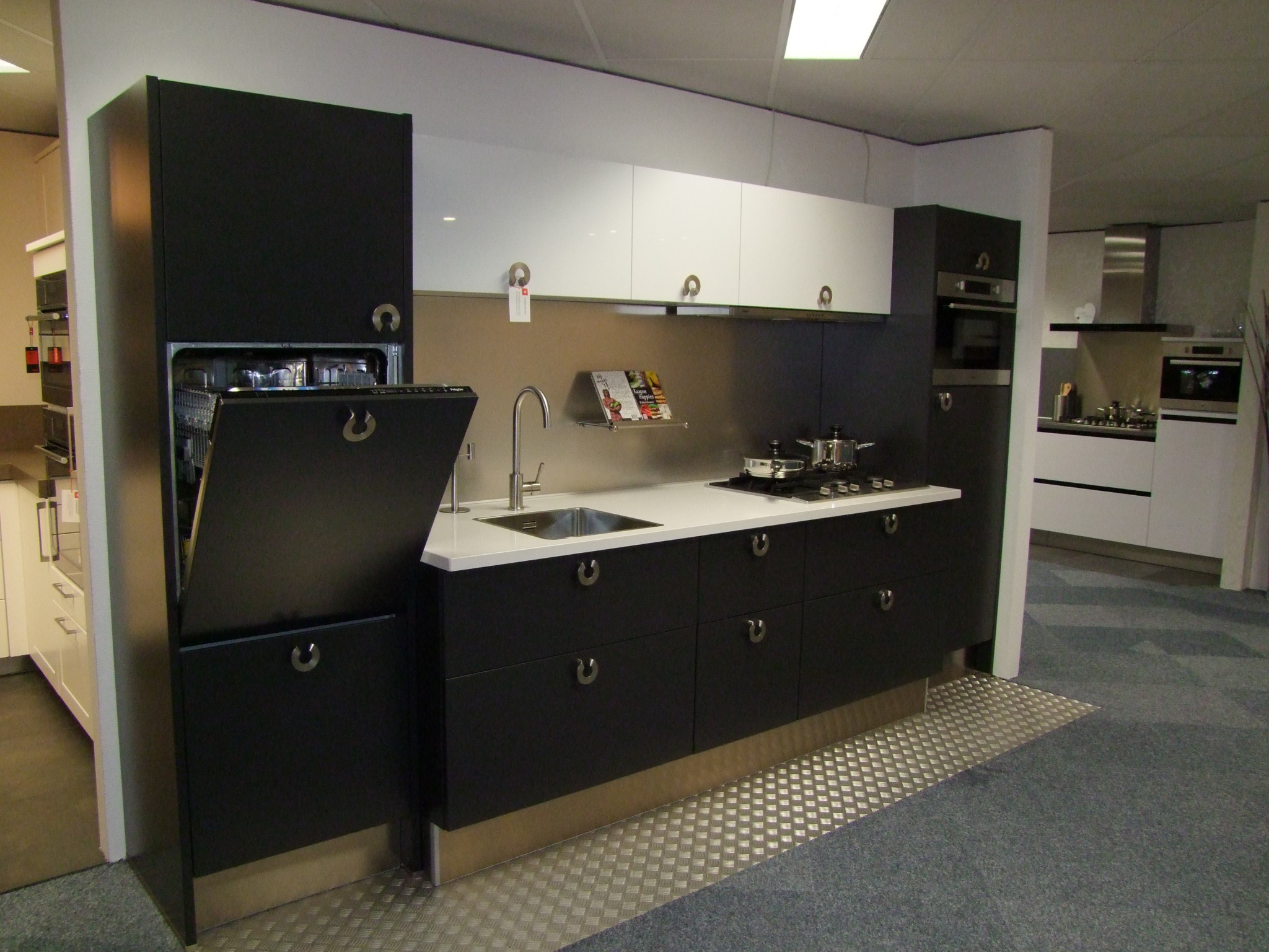 Opruiming Keukens Ikea : Prachtige vancel keuken kremer keukens showroom opruiming