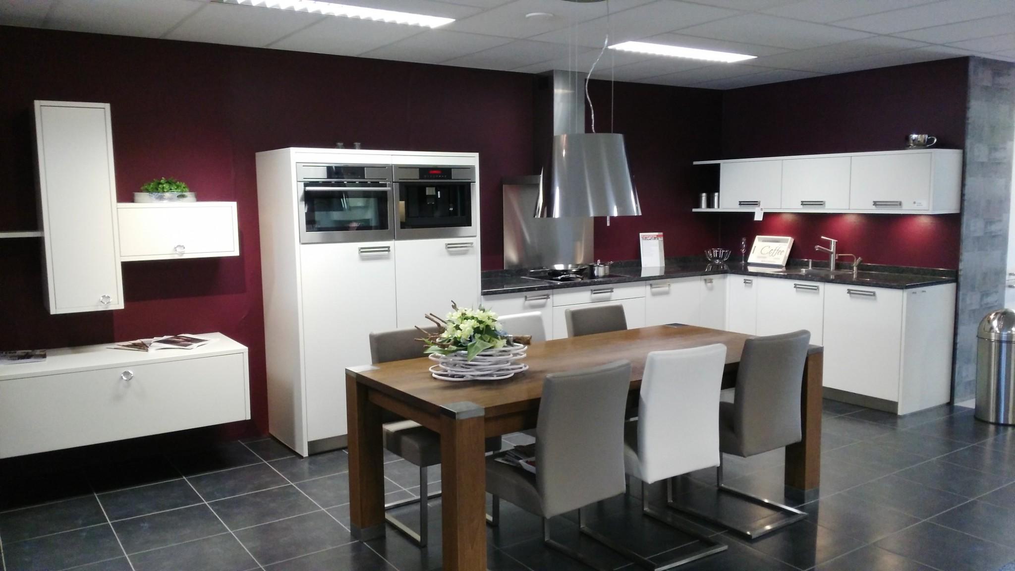 Zeer ruime, moderne Vancel keuken
