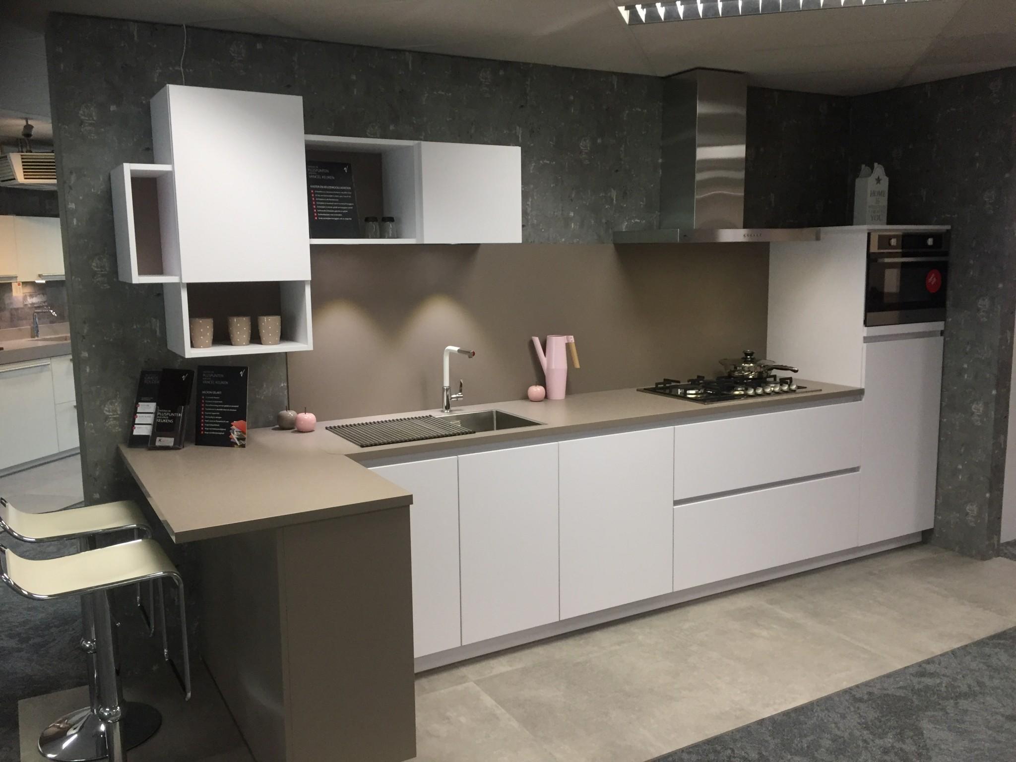 Achterwand Keuken Taupe : Praktische greeploze vancel keuken kremer keukens showroom