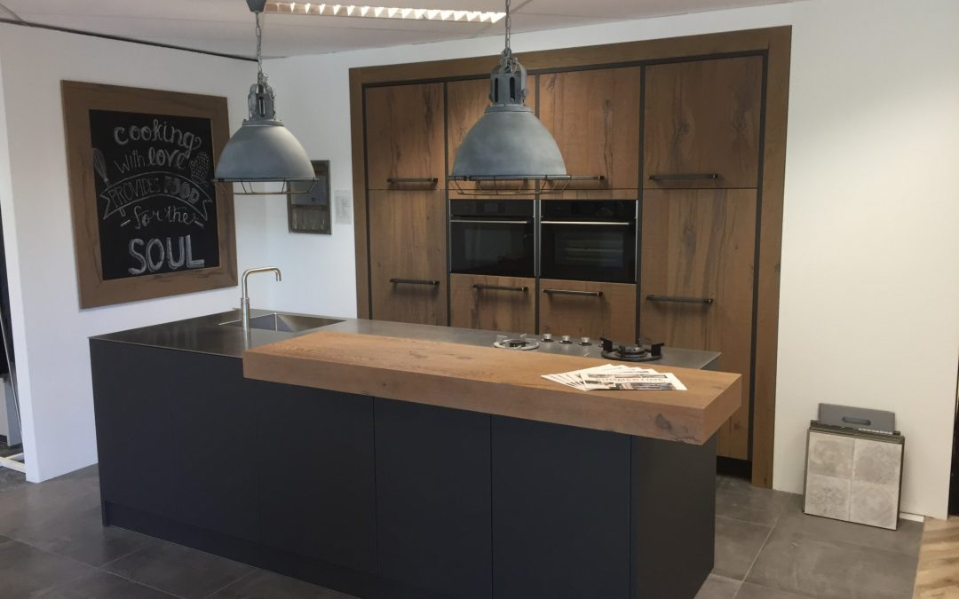 Industriële strakke design keuken van Rotpunkt